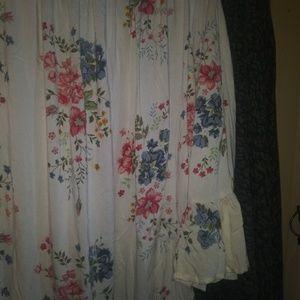 Bohemian floral flowy top